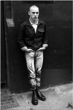 Find images and videos about london, combat boots and skinhead on We Heart It - the app to get lost in what you love. Mode Skinhead, Skinhead Men, Skinhead Boots, Skinhead Fashion, Punk Fashion, Skinhead Style, Skin Head, Pose, Rude Boy