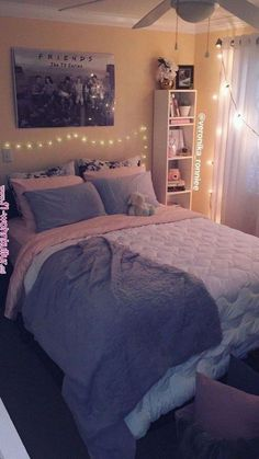 Bedroom decor/gray and pink decor/ white and gray bedroom/ peach bedroom/ Paris inspired/ diy ideas/ queen bed/ Christmas lights/ organized cubicles/ friends tv series lover/ cozy room/ beautiful simp Cute Girls Bedrooms, Cute Bedroom Ideas, Trendy Bedroom, Bedroom Girls, Girl Room, Bedroom Simple, Gray Teen Bedrooms, Bedroom Ideas For Teen Girls Small, Teen Rooms