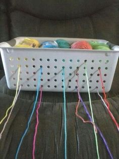 Brilliant idea - will have to try this some time - yarn holder. Much cheaper than a yarn bowl Crochet Crafts, Crochet Yarn, Yarn Crafts, Crochet Stitches, Crotchet, Crochet Tools, Diy Crafts, Yarn Projects, Knitting Projects
