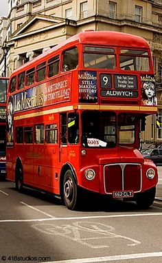 Old Routemaster Bus, Central London, England     posted by www.futons-direct.co.uk