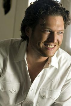 Blake Shelton is attractive and seems like a great guy. Yum.