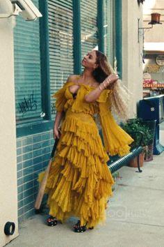 Beyoncé wearing  Saint Laurent Candy Floral-Print Wedge Sandal, Roberto Cavalli FW16  Mustard Chiffon Gown