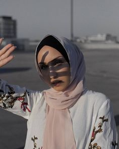 Modest Fashion, Hijab Fashion, Veil, Poses, Outfit, Face, Photography, Beauty, Style
