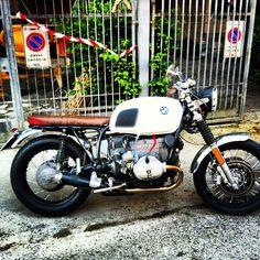 @Daiana Flores via Instagram BMW café racers