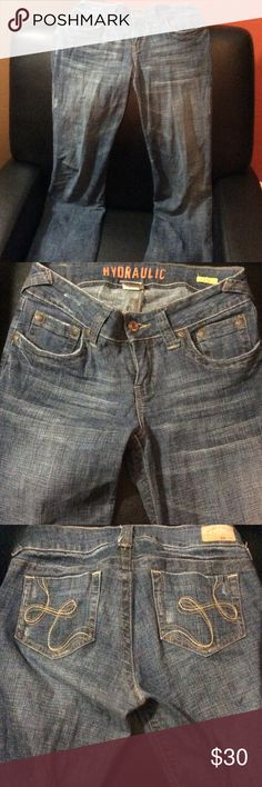 Size 7/8 Long Hydraulic Jeans EUC jeans! 97% cotton, 3% spandex so comfy! Hydraulic Jeans Boot Cut