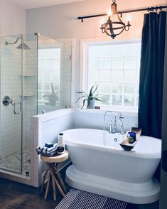 28 Master Bathroom Ideas to Find Peace and Relaxation Every room needs a statement piece and in this modern farmhouse bathroom, the Randolph Morris Pedestal Tub makes a perfect statement. Pedestal Tub, Bad Inspiration, Master Bath Remodel, Modern Farmhouse Bathroom, Craftsman Bathroom, Shower Remodel, Remodel Bathroom, Budget Bathroom, Restroom Remodel