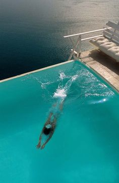 Welcome to Chromata Santorini, one of the best Santorini Hotels in Imerovigli. Chromata Santorini redefines the concept of style and elegance in Santorini. Pool Bad, Station Balnéaire, Dream Pools, Exterior, Cool Pools, Pool Designs, Dream Vacations, Places To See, Relax