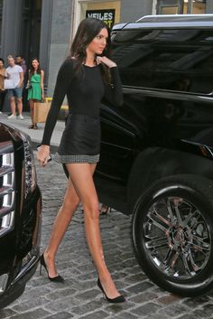 Click here for recommendations for best black pointed toe pumps like Kendall Jenner wore: http://www.slant.co/topics/4528/~suede-pointed-toe-pumps-in-black