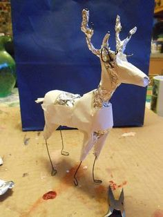 Pinned this just for the reference in armature making. You could make any animal… Pinned this just for the reference in armature making. You could make any animal… Paper Mache Projects, Paper Mache Clay, Paper Mache Sculpture, Paper Mache Crafts, Sculpture Art, Origami, Paper Mache Animals, Ideias Diy, Paperclay