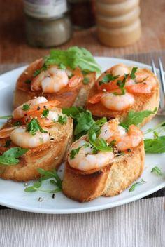 Bruschetta with lemon shrimps