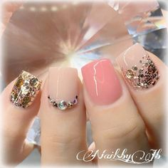 Essie vernis à ongles, smokin 'hot, vernis à ongles gris, fl. oz - New Ideas Neutral Gel Nails, Gray Nails, Peach Nails, Pink Nails, Glittery Nails, Grey Nail Polish, Essie Nail Polish, Perfect Nails, Gorgeous Nails
