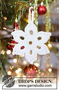 Ravelry: Shine Bright Star pattern by DROPS design Christmas Star Decorations, Crochet Christmas Ornaments, Holiday Crochet, Christmas Knitting, Christmas Crafts, Crochet Snowflake Pattern, Crochet Stars, Crochet Snowflakes, Free Crochet