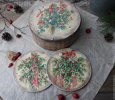 """Купить """"Рождественский букетик"""" набор - коричневый, зимний букет, веточка омелы, зимние цветы"""