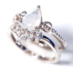 Pretty Wedding Rings, Silver Wedding Rings, Silver Engagement Rings, Beautiful Engagement Rings, Pretty Rings, Engagement Ring Settings, Wedding Ring Bands, Unique Promise Rings, Silver Promise Rings