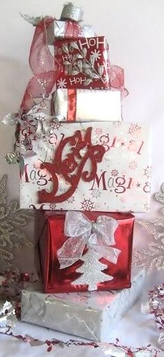 DIY Cheap X-Mas Decor  http://www.infobarrel.com/Fun_and_Inexpensive_DIY_Homemade_Christmas_Decorations