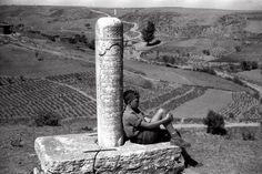 Hacı Beşir Ağa Nişan Taşı (Küçük Altaybaşı Sok) Kaptanpaşa Mah. Küçük Altaybaşı Sok. üzerinde bulunan Hacı Beşir Ağa'ya ait nişan taşıdır. Kitabesi celi sülüsle yazılmıştır, 1758 tarihlidir.