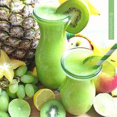Kiwi Lemon-Limeade! Kiwi, apple, green grapes, lemon, lime through a juicer