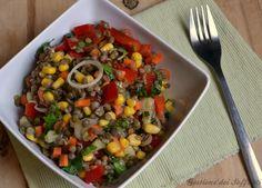 Una ricetta fresca per farci apprezzare al meglio questi fantastici legumi anche nella stagione più calda: l'insalata estiva di lenticchie, arricchita con