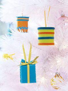 Make some kid friendly ornaments this holiday season!