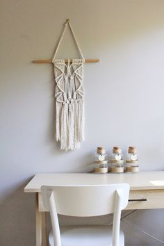 The Olive Robin - Directory - The Make It Collective. The Olive Robin shop is all about contemporary macramé creations. By blending traditional techniques with modern elements my aim is to create items which look great in any space. #macrame #handmade #australianmade