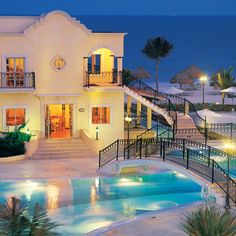Brides.com: Top 10 All-Inclusive Resorts. 4. Secrets Resorts & Spas The adults-only sister brand to wellness-focused Zoëtry (#2) and family-friendly Dreams (#7) has 13 escapes in Mexico, Jamaica, and the Dominican Republic. Rooms are huge, and in some properties, you can book one with swim-up access to the pool; Secrets Resorts & Spas.