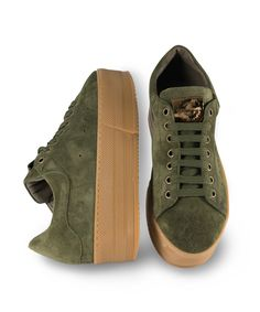 Grumman Sneaker for stylish walks. Puma Platform, Platform Sneakers, Earth Color, Fall Trends, Color Trends, Green Colors, Earthy, Walks, Blue And White