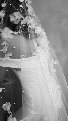 The Riviera floral lace wedding veil is a heavily embellished veil in soft ivory tones. Perfect for striking silhouettes and wedding gowns. Headpiece Wedding, Wedding Veils, Wedding Bride, Wedding Ceremony, Lace Wedding, Dream Wedding, Wedding Day, Wedding Dresses, Wedding Shoes
