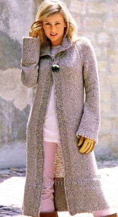 бежевое пальто спицами
