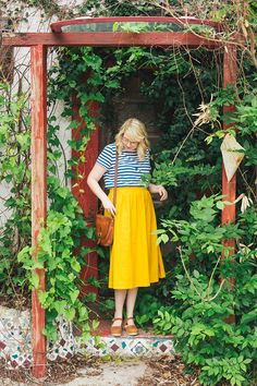 summer outfit inspiration - midi skirt and striped tee
