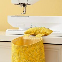 Pincushion Thread Catcher - Free Pattern from All People Quilt!