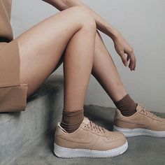 Sneakers femme - Nike Air Force 1 Low (©hanyaseah)
