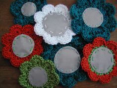 Virkattu kukka Yarn Crafts, Diy And Crafts, Stuff To Do, Knit Crochet, Upcycle, Crochet Earrings, Projects To Try, Wool, Sewing
