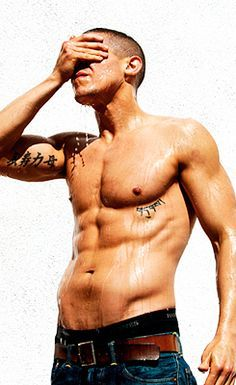 Theo Rossi...aka Juice from S.O.A.   want ,want, want!