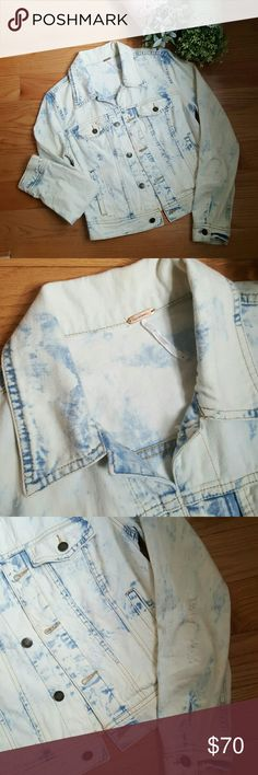Free People Acid Wash Denim Jacket NWOT Awesome jacket with distressing thoughout. Side pockets and 2 buttom flap front pockets. Brand new without tags.  Black marker has been used to cross out metal tag to prevent returns to actual store. Free People Jackets & Coats Jean Jackets