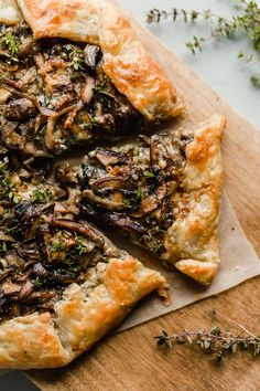 Rustic and flavorful, this cremini and shiitake mushroom galette is filled with sharp blue cheese and wrapped in a flaky sour cream pastry dough. Vegetarian Recipes, Cooking Recipes, Vegan Meals, Yummy Recipes, Mushroom Tart, Quiches, Galette Recipe, Savory Tart, Mushroom Recipes