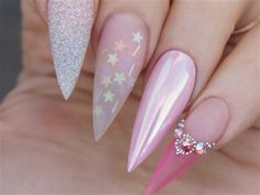 Stiletto nails have long been favored by fashionable women with their distinctive shapes. We have prepared the most popular stiletto nails ideas for you, and enjoy its beauty on this beautiful holiday! Fancy Nails, Cute Nails, Pretty Nails, Elegant Nail Art, Elegant Nail Designs, Gel Nails, Acrylic Nails, Manicure, Clear Acrylic