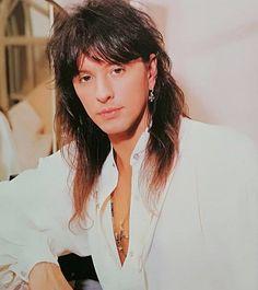 Happy Birthday to one of my favourite guitarists, Richie Sambora! Music Do, Rock Music, Freddie Mercury Tribute Concert, Bon Jovi Pictures, Ricky Dicky, Bon Jovi Always, Best Guitarist, Glam Metal, Joan Jett