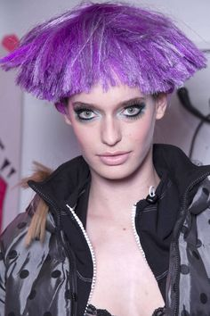 Freaky Chic: Halloween Makeup Ideas Straight From The Runway Chic Halloween, Halloween Hair, Halloween Makeup, Dress Code Policy, Makeup Articles, Hair Today Gone Tomorrow, Diy Makeup, Makeup Ideas, Crazy Hair