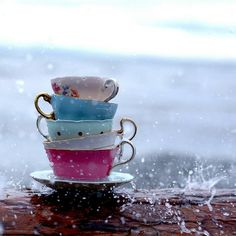 http://www.singingthroughtherain.net/wp-content/uploads/2012/04/Rain-and-tea-cups.jpg