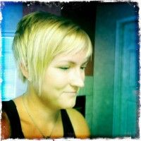 liz rockin her new all natural blonde!!!