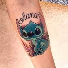30 Delightful Ohana Tattoo Designs – No One Gets Left Behind - Tattoo Pins Diskrete Tattoos, Hawaiianisches Tattoo, Finger Tattoos, Body Art Tattoos, Pretty Tattoos, Cute Tattoos, Beautiful Tattoos, Siblings Tattoo For 3, Tattoos For Daughters