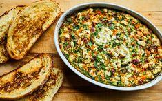 Omelette à partager – Savourer par Geneviève O'Gleman Charcuterie, Frittata, Egg Recipes, Vegetable Recipes, Smoothies, Breakfast Recipes, Good Food, Lunch, Vegetables