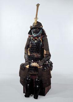 榊原康政の甲冑。黒糸威二枚胴具足