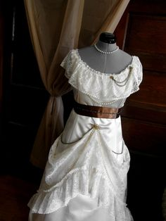 Curiouser and Curiouser - Steampunk Wedding Dress / Gears and lace dress: FINISHED!