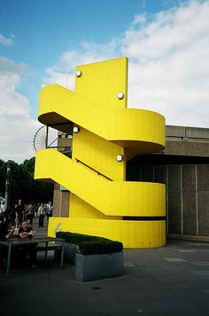 hayward gallery in south bank, very bold, different to surroundings, shows transformation. Colour Architecture, London Architecture, Architecture Details, Modern Architecture, Design Set, Blog Design, Design Trends, Design Ideas, Brutalist Buildings