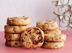 Drive Fruit Cookies recipe from Ina Garten via Food Network Fruit Cookies, Galletas Cookies, Cookie Desserts, Dessert Recipes, Shortbread Cookies, Dried Fruit Cookie Recipe, Baking Recipes, Buffet Recipes, Cranberry Cookies