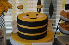"""Cake Gender reveal party """"what will it bee?"""""""