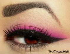 No Doubts 'New' by Stacey R. on Makeup Geek-like the lil pop of hot pink and not whole lid