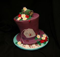 Mad Hatter Cake for Alice in Wonderland Party #aliceinwonderland