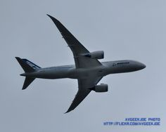 Flashback Friday: 787 Lifting Off from Boeing Field, 6 August 2011